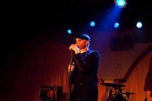 """Logan Lynn & The Gentry performing at """"Cassell On Earth"""" (2010)"""